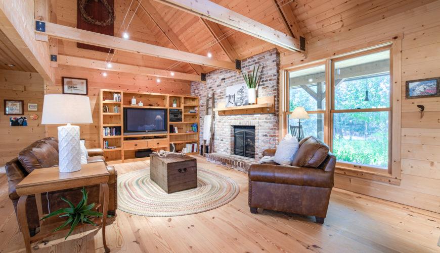 Beautiful lake home, beautiful lake cabin