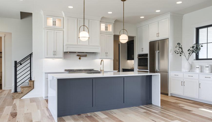 Modern farmhouse white kitchen, modern fixtures