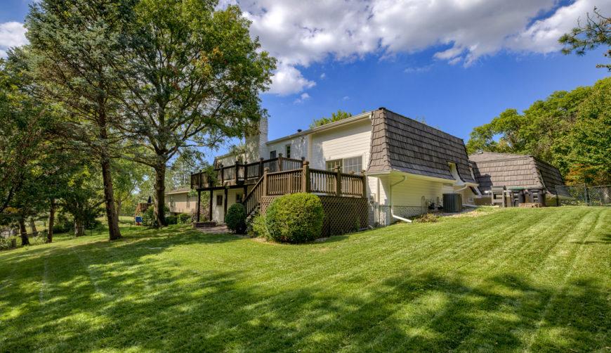 Beautiful flat oversized backyard, regency neighborhood