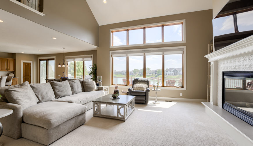 Floor to ceiling windows, living room overlooking the lake