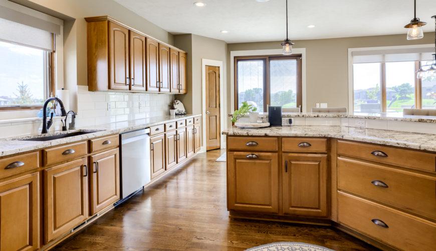 modern finishes, beautiful granite countertops